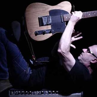 NUNO MINDELIS apresenta ANGOLA BLUES, seu último álbum, no Bourbon Street
