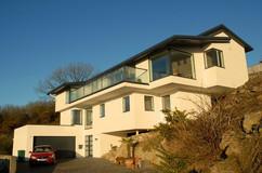 the-coast-house-with-glass-balustrade.jpg