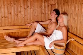 pareja sauna seco.jpg