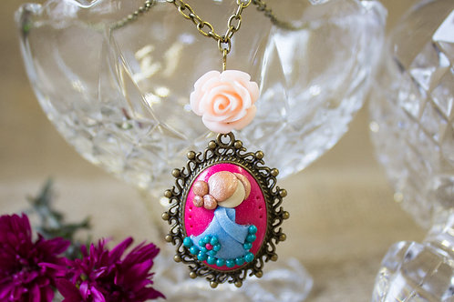 Floral doll necklace