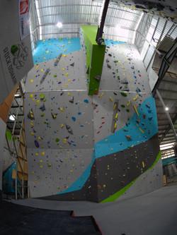 Overhang Lead wall (17 Meters)