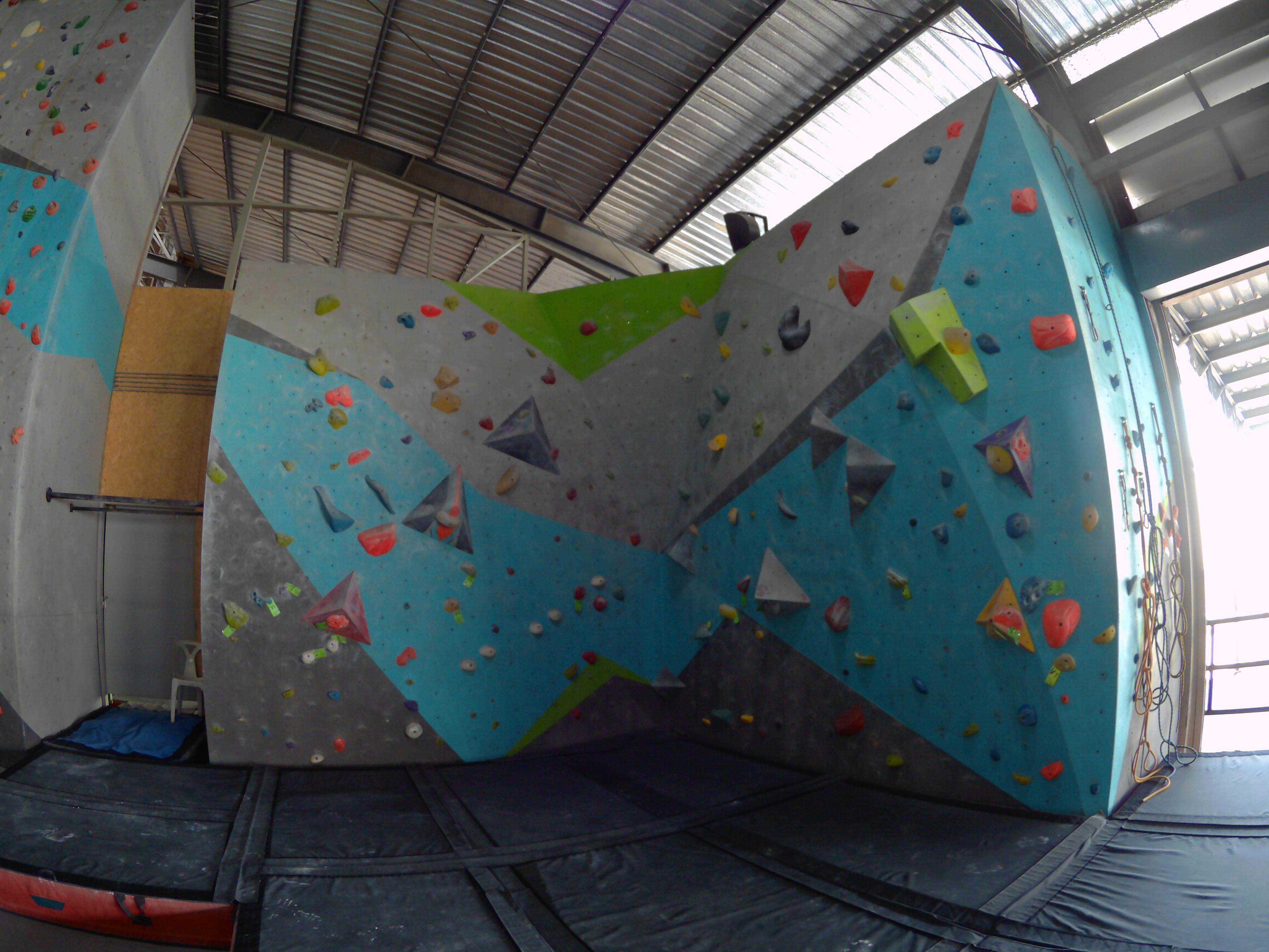 Beginner Bouldering Wall