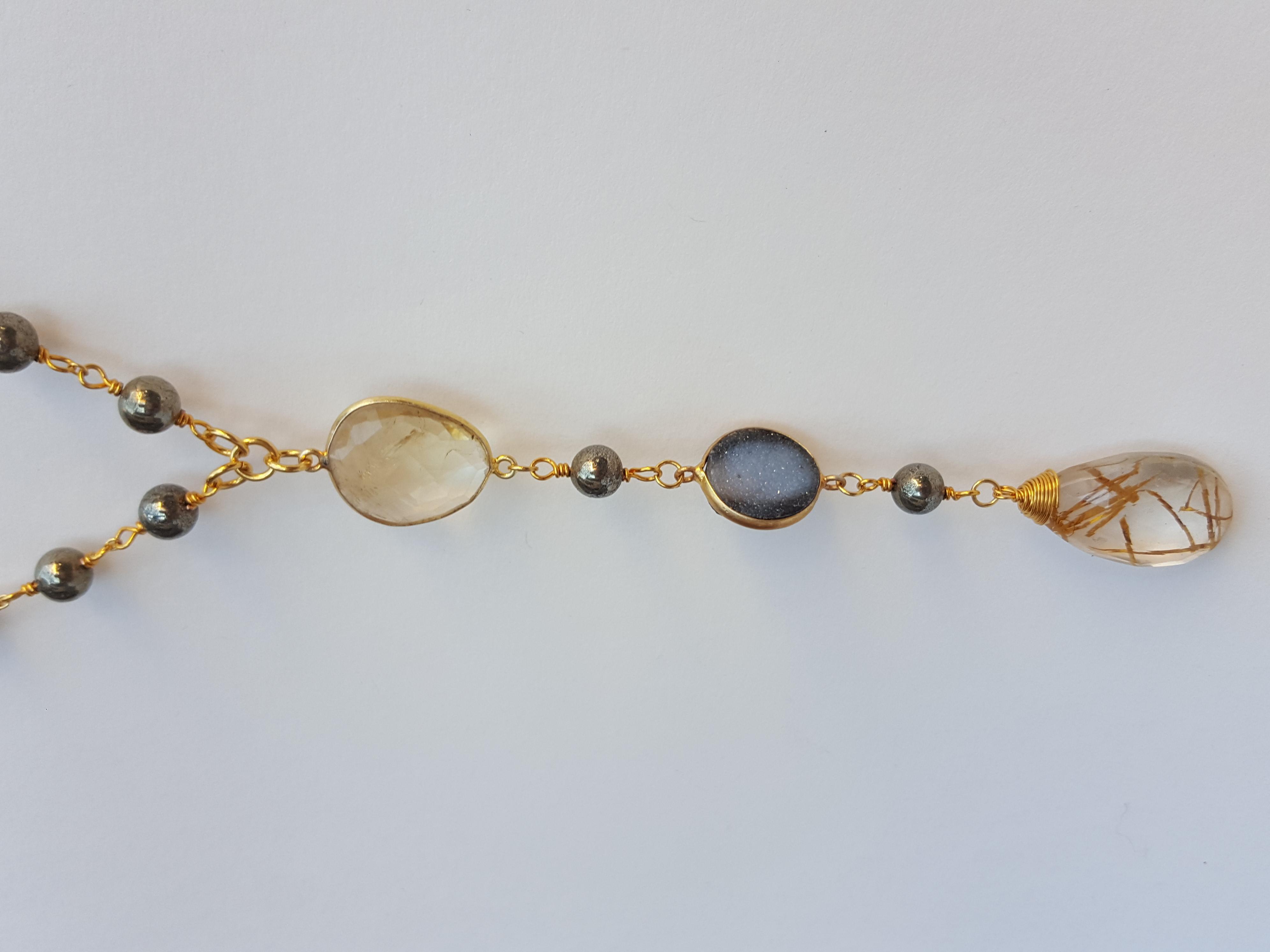 Pearl-drop (detail)