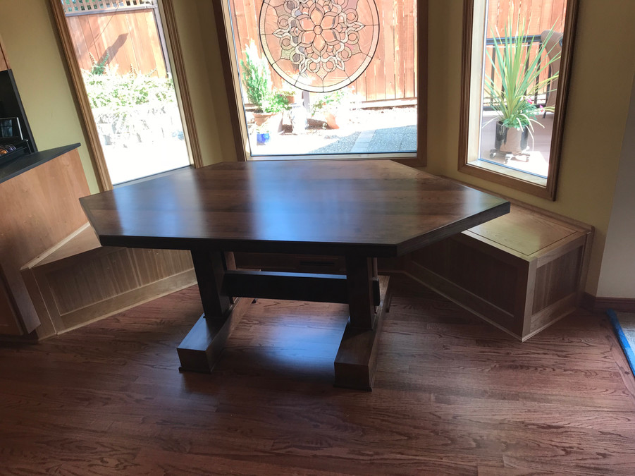 corner bench and table