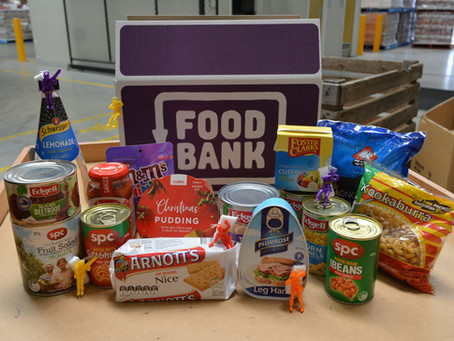 Whats in a Give A Feed Foodbank Christmas Hamper