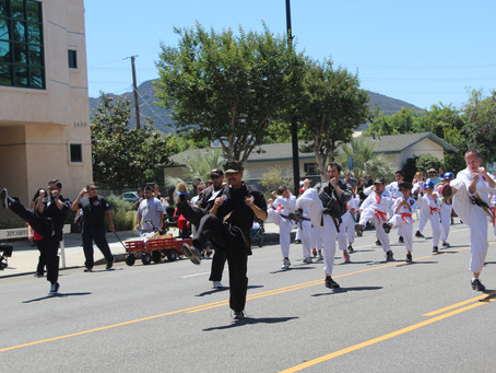 KNMA at Burbank on Parade
