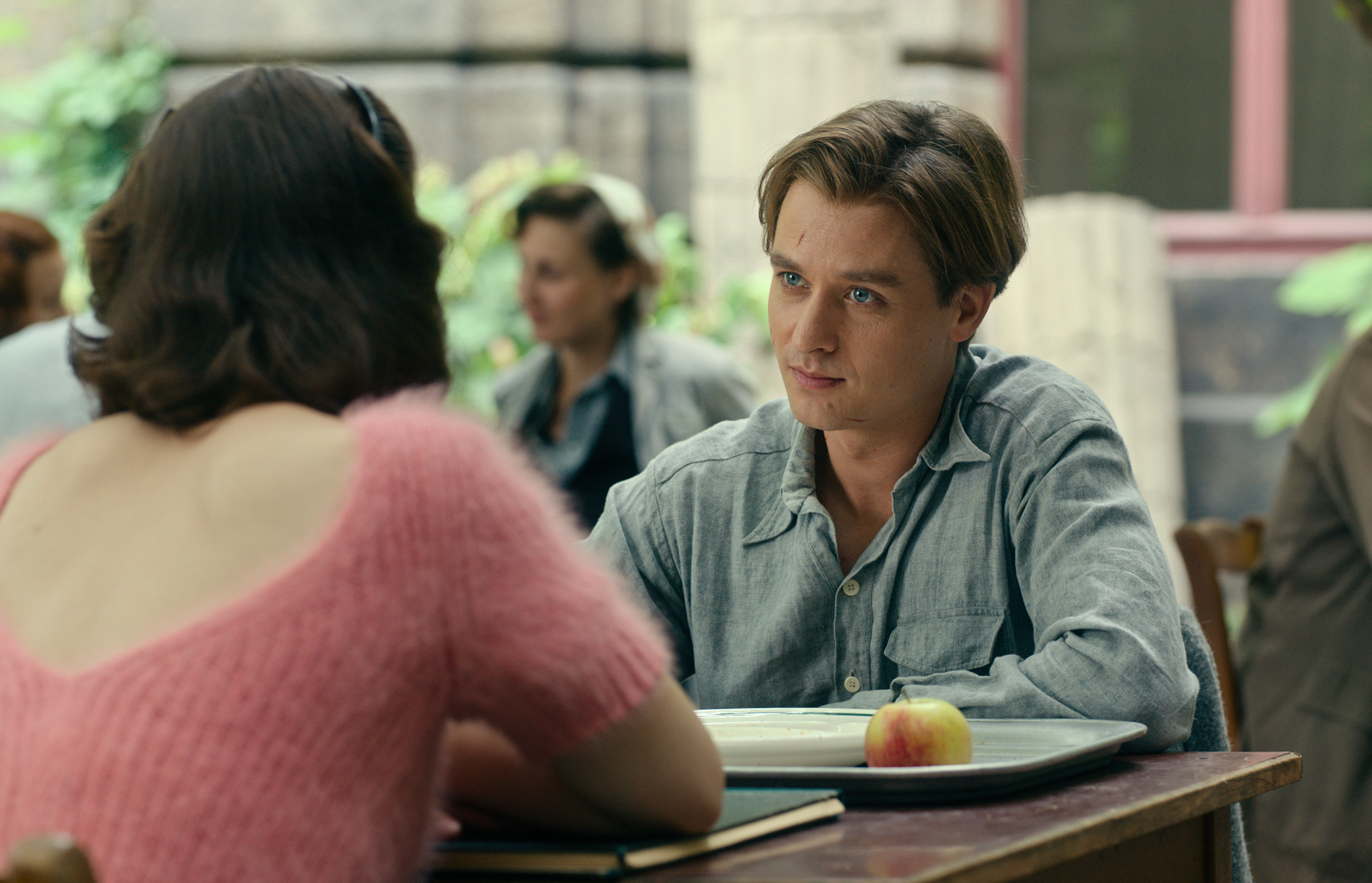 Never Look Away (14)