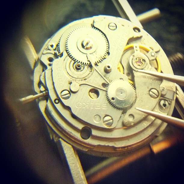 In comparison, a Seiko 7009A movement from the 1970s uses a single piece to stop the main spring from unloading.