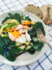 5 minutes edible beauty treatment: Poached eggs with baby spinach and avocado