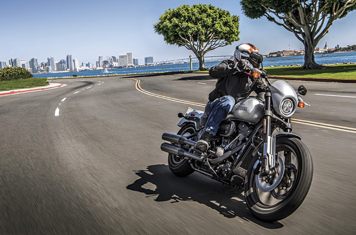 20191217122136_HD-Low-Rider-S-front.jpg