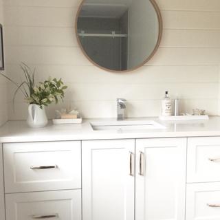 Ensuite cottage bathroom Moving Designz