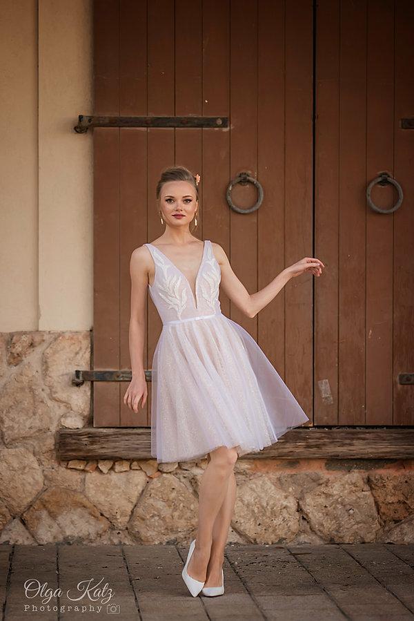 שמלת כלה קצרה נוצצת