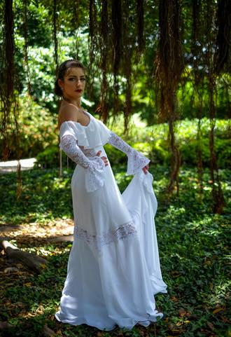 שמלת כלה עם וולן ושרוולים מקולקציה בתפירה אישית