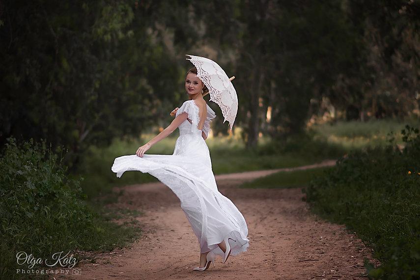 שמלת כלה תחרה חצי שקופה