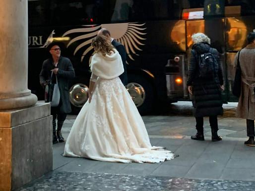 איך לחסוך על שמלת הכלה שלך ועדיין להיראות מיליון דולר?
