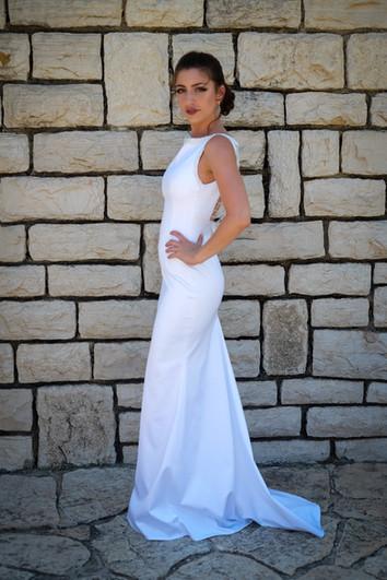 שמלת כלה צמודה מקולקציה בתפירה אישית
