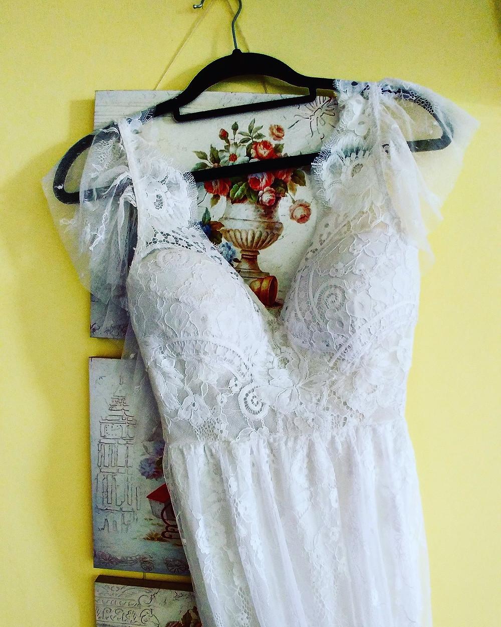 שמלת כלה תחרה מקולקצית שמלות כלה בתפירה אישית