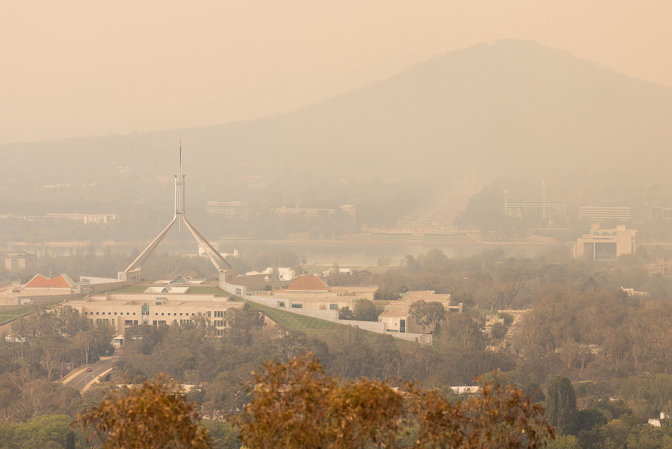 Smoke from the Orroral Valley bushfire in Namadgi National Park blankets Canberra on 29 January 2020.