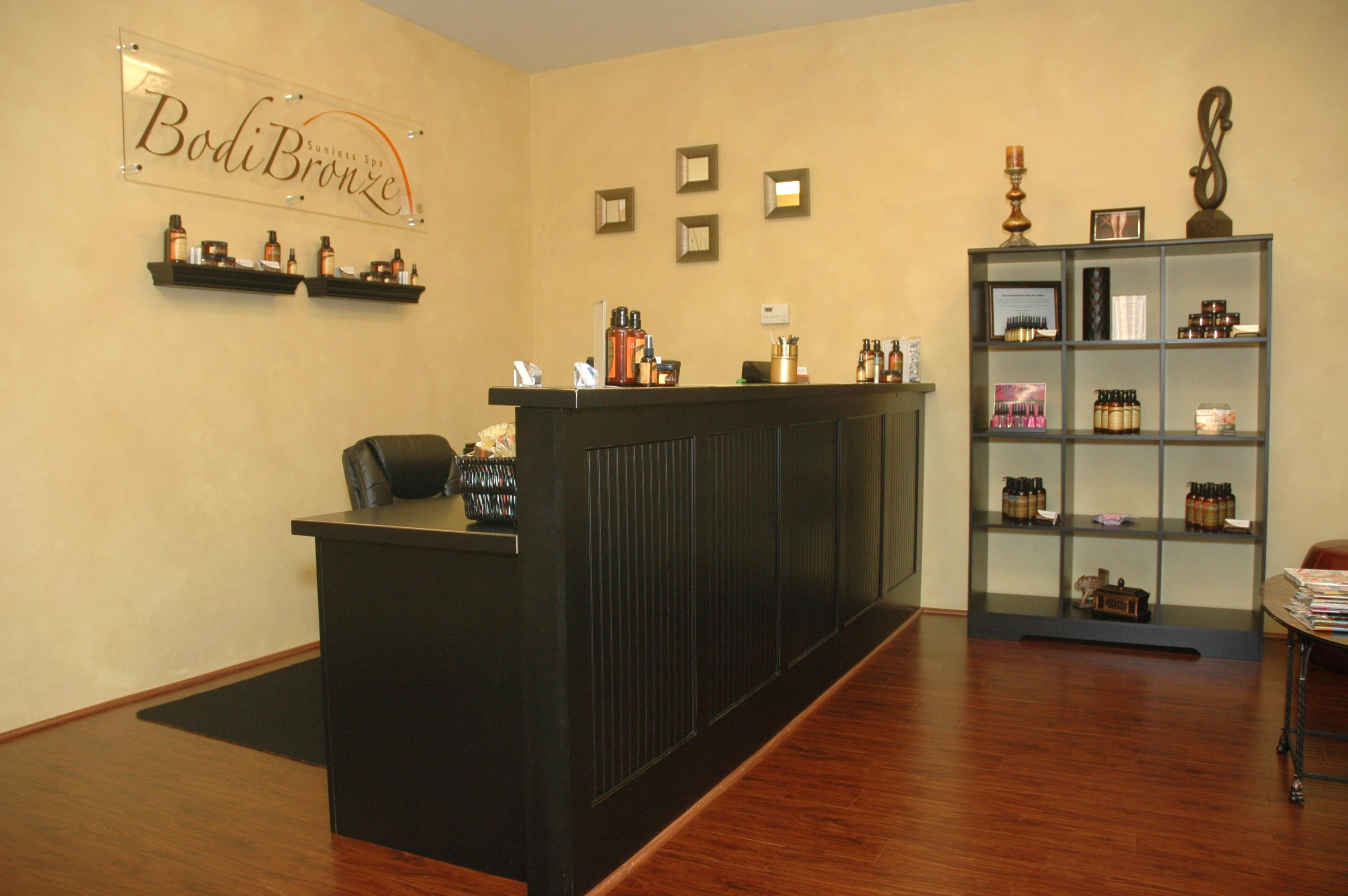 BodiBronze Reception Desk