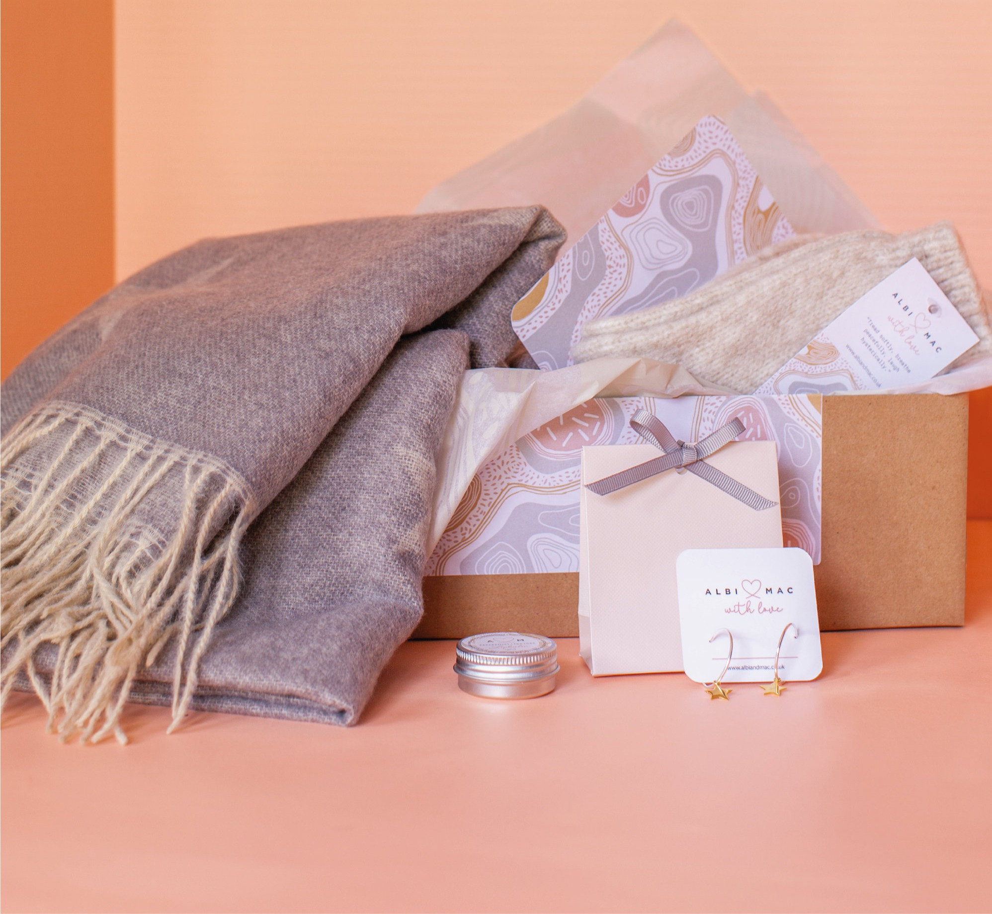 Albi & Mac Scarf with faint stars in a gift box