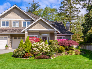 Maximize Your Curb Appeal This Spring