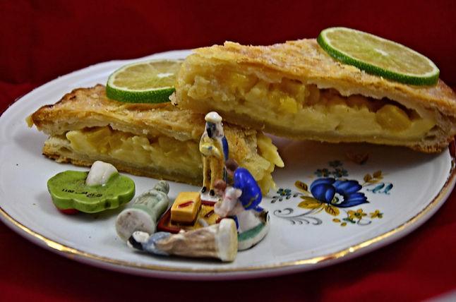 Galette des rois à l'ananas rôti, cannelle et citron vert