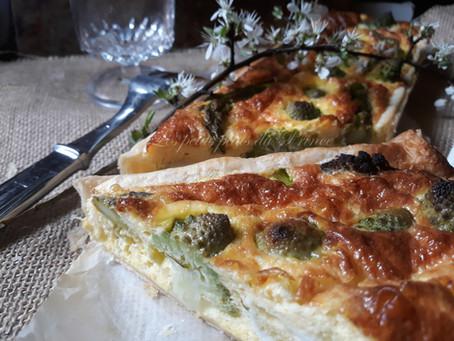 Tarte printanière asperges vertes et chou romanesco
