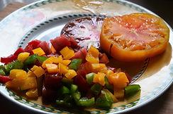 Panier feuilleté à la tomate et au poivron