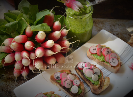 Toasts printaniers aux radis roses