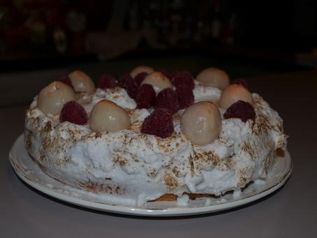 Gâteau meringué litchis framboises