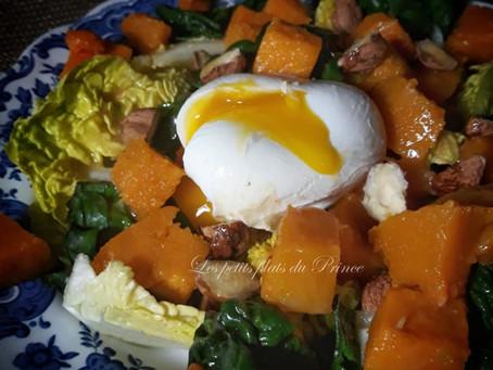 Salade de butternut rôtie, épinards, et œuf poché