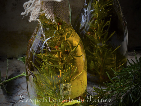 Huile parfumée au romarin du jardin