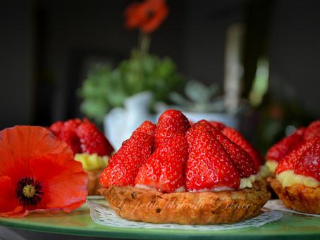 Tartelettes aux fraises, au sirop de coquelicots maison