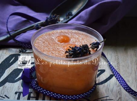 Soupe glacée de melon à la lavande