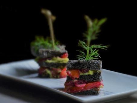 Club sandwich au saumon gravlax de betterave
