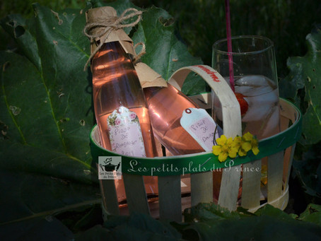 Sirop de rhubarbe, la boisson girly toute rose