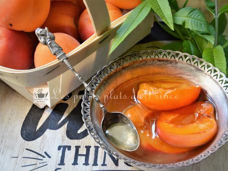 Oreillons d'abricots au sirop de verveine citronnelle