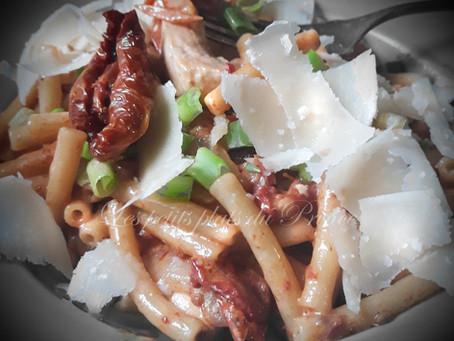 maccheroni pollo e pomodoro (macaronis au poulet)