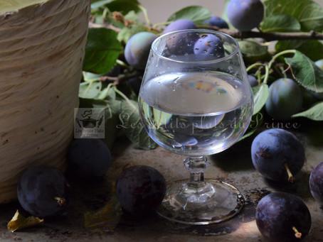 Eau de vie de prunes du jardin