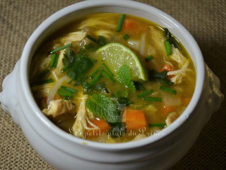 Pho Ga Vietnamien : le bouillon au poulet