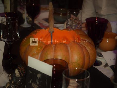 Soupe à la citrouille en chaudron pour Halloween