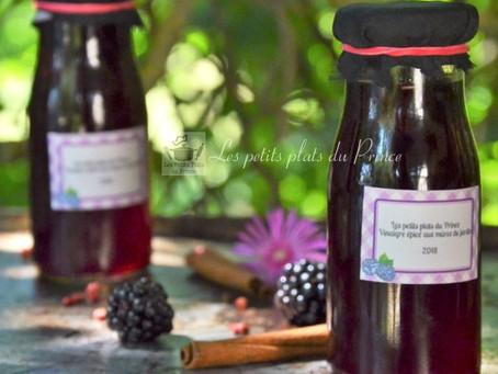 Vinaigre à la mûre et aux épices