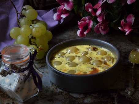 Petits gratins d'automne au raisin blanc et sucre à la lavande