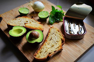 Avocado toast à la sardine au piment