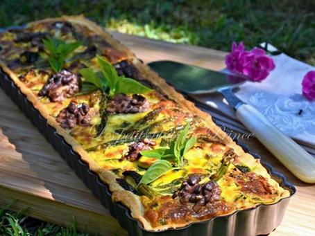 Tarte aux courgettes, asperges vertes et noix