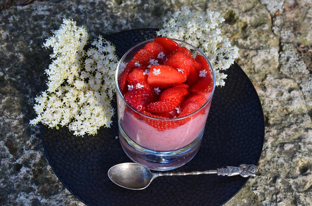 mousse de fraise à la fleur de sureau
