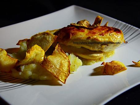 Filet de poulet rôti, purée et chips de céleri rave