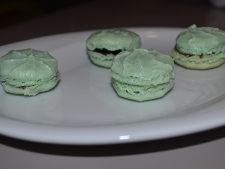 MACARONS VERTS AFTER EIGHT
