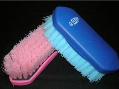 Small Dandy Brush