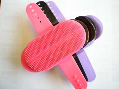 Large Plastic Curry Comb